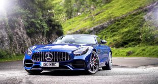 Mercedes AMG GT S Roadster UHD Car Wallpaper 2